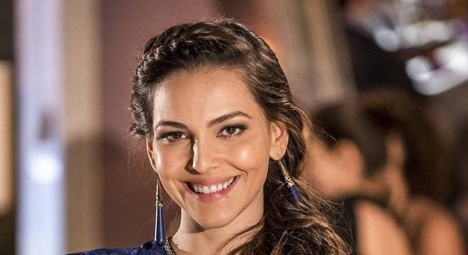 Tainá Muller é a protagonista de Bom Dia, Verônica