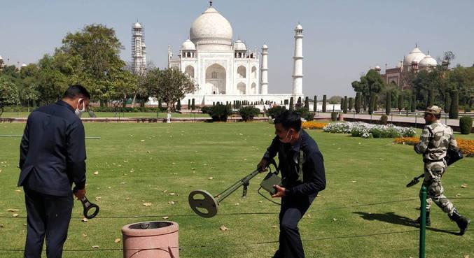 Taj Mahal é esvaziado depois de alerta falso de bomba