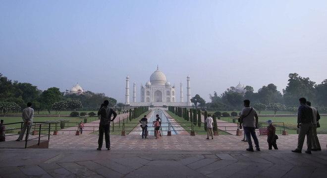 Taj Mahal é reaberto depois de passar seis meses fechado