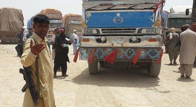 EUA e Reino Unido acuam talibãs de crimes de guerra no Afeganistão