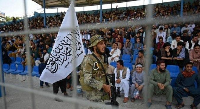 Talibã retomou o poder no Afeganistão e festejou saída dos americanos