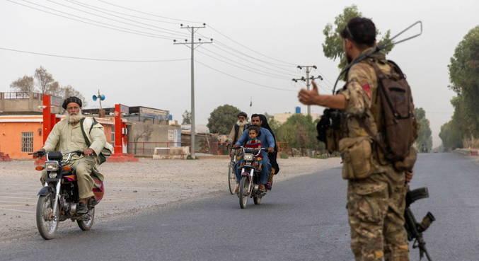 Autoridades afegãs e talibãs acordaram cessar-fogo