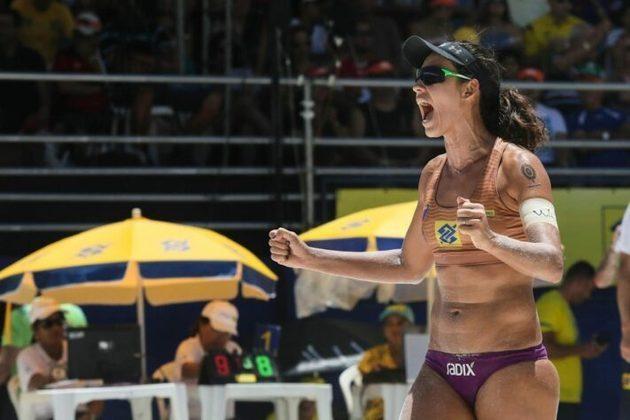 Talita: Natural do Mato Grosso do Sul, a referência do vôlei de praia Talita Antunes virou samba pela Unidos da Princesa, no Carnaval 2014. Ela, que esteve nas Olimpíadas de 2008 e 2012, ganhou o reconhecimento na folia local.