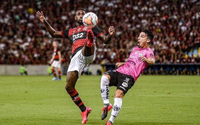 Também às 21:30, o Flamengo recebe o Independiente Del Valle, no Maracanã. A transmissão acontece no SBT do Rio de Janeiro e na CONMEBOL TV.
