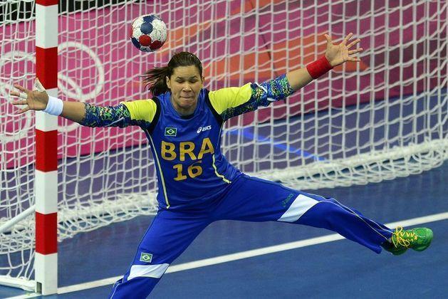 Também do handebol, a goleira Mayssa Santana é um dos nomes fortes da comunidade LGBT+.