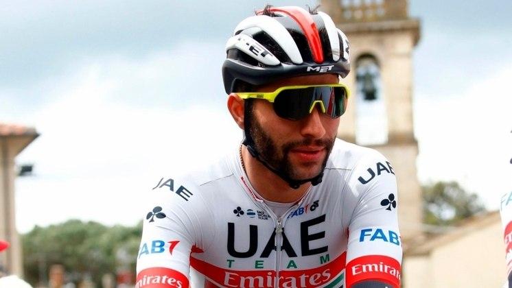 Também em 12 de março o ciclista colombiano Fernando Gaviria recebeu o diagnóstico. Um dia depois, o ciclista argentino Maximiliano Richeze também recebeu a notícia da contaminação.