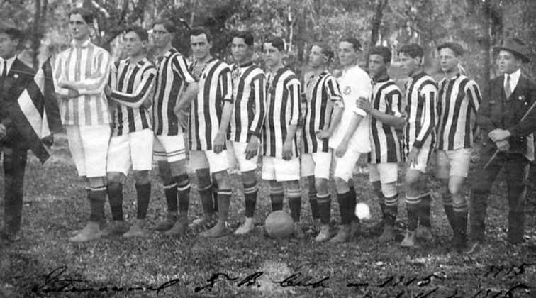 Também em 1912, o Internacional alcançou sua maior goleada contra o mesmo Nacional de Porto Alegre. Foi um sonoro 16 a 0.