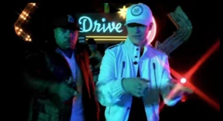 Também em 2009, Justin Timberlake firmou parceria com Timbaland na música