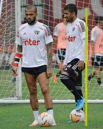 Também estiveram presentes o camisa 10 Daniel Alves e Joao Rojas. Eles se recuperam de lesão.