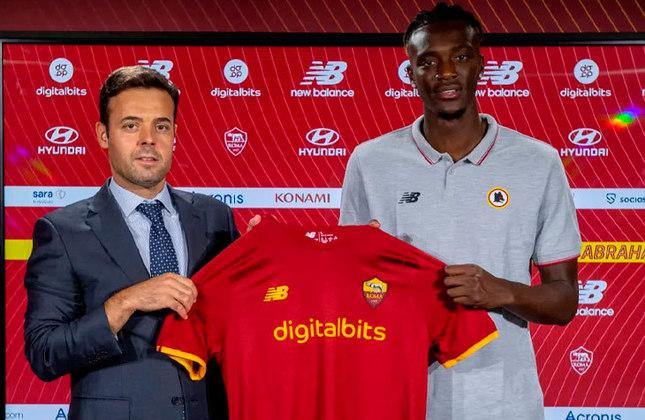 TAMMY ABRAHAM: Deixou o Chelsea, da Inglaterra, e se juntou à Roma. O atleta assinou com o time da capital por cinco temporadas e 40 milhões de euros (mais de R$ 248 milhões na cotação atual)