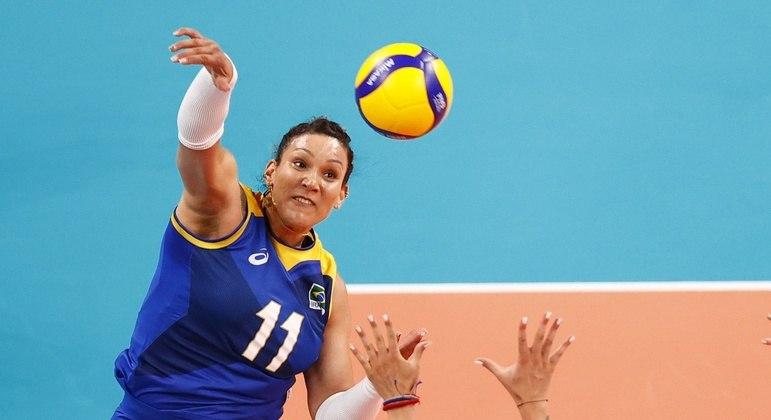 Tandara foi cortada da seleção brasileira e não jogou a semifinal contra a Coreia do Sul