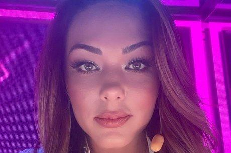 Tânia é uma das 100 juradas do 'Canta Comigo Teen'