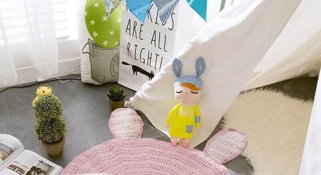 tapete rosa para quarto de bebê