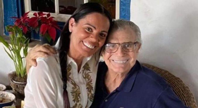 Nora de Tarcísio Meira prestou homenagem no dia em que ele faria 86 anos