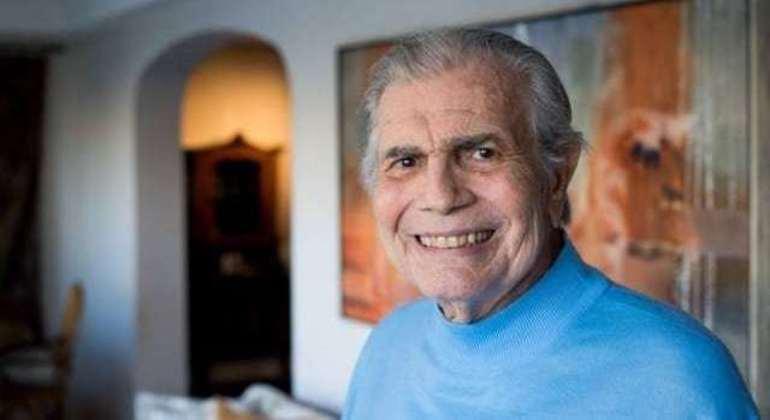 Tarcísio Meira morreu na manhã desta quinta-feira (12) por complicações da covid-19