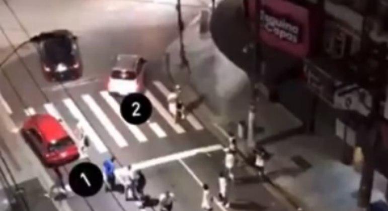 Carros que a polícia de Santos acredita que perseguiram e cercaram o automóvel de Tardelli