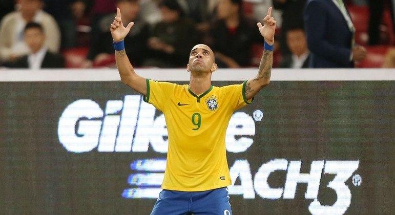 Tardelli teve chance até na Seleção. Chega com contrato de risco no Santos