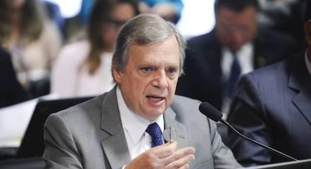 O senador Tasso Jereissatti (PSDB) anunciou a ação