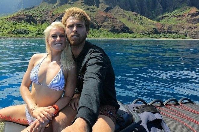 A brasileira só poderia namorar um surfista também, não é? Há cinco anos Tatiana namora Jessé Mendes, da elite do surf mundial