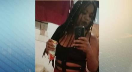 Jovem foi morta na frente das filhas de 7 e 9 anos