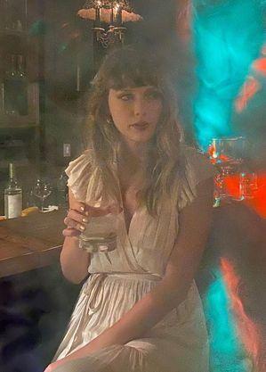 Taylor Swift tem casa invadida