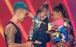 O clipe tem mais de 25 milhões de visualizações no YouTube e o sucesso foi tanto que o casal se apresentou no palco do Hora do Faro, da Record TV para cantar a música