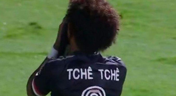 Tchê Tchê foi a grande decepção no São Paulo. Xingado por Diniz e expulso