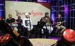 Grupo Exalta se apresentando: música de qualidade já virou tradição na happy hour virtual das sextas. O programa é exibido a partir das 19h, no YouTube da Record TV e do portal R7.