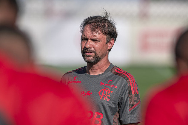 Técnico - Maurício Souza