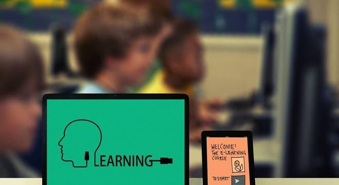 Tecnologia é um caminho sem volta e deve ser usado cada vez mais nas escolas