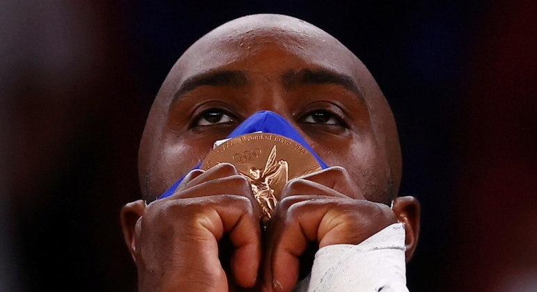 Teddy Riner celebrou sua quarta medalha individual em edições dos Jogos Olímpicos