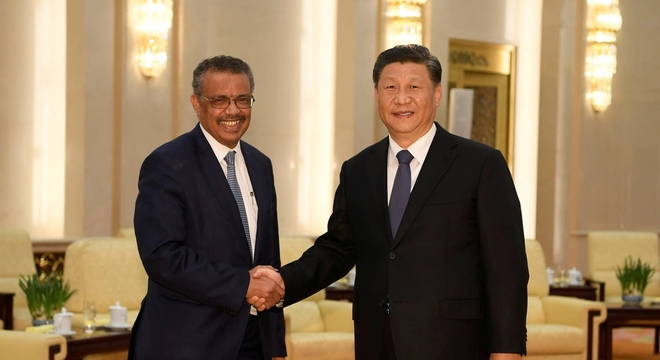 O diretor da OMS, Tedros Adhanom Ghebreyesus e o presidente da China, Xi Jinping