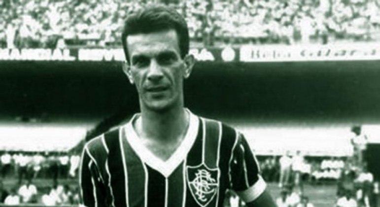 Telê Santana - 'Fio de Esperança', ele chegou ao Fluminense ainda nas categorias de base e foi promovido ao profissional em 1951. A partir disso, foi um dos grandes da história do futebol, atuou em 557 partidas pelo Tricolor, o terceiro com mais jogos e o quinto maior artilheiro.