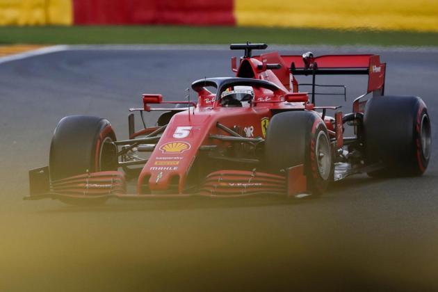 Tem como marcar pontos, a Ferrari? (Foto: AFP)