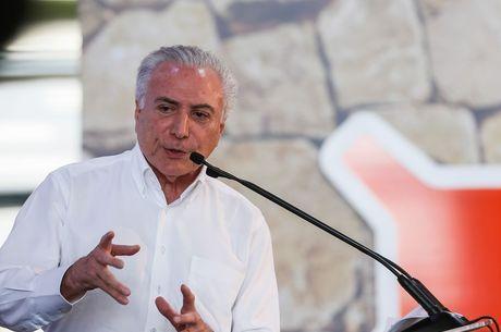 Temer almoçará com o presidente uruguaio