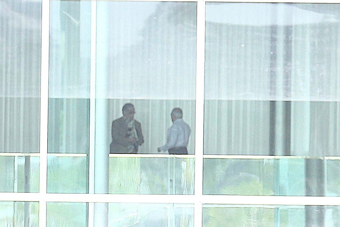 'Autoridades' tentam retirar Temer da vida pública, diz Planalto