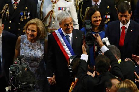 Piñera ao lado da esposa e primeira-dama Cecilia Morel