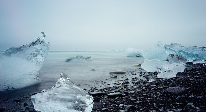 Poluição com microplásticos tem se concentrado no gelo do Ártico canadense