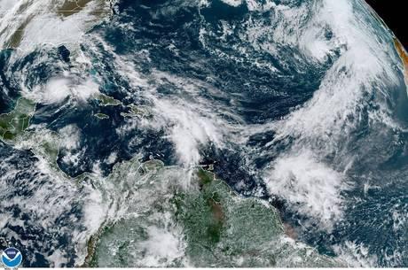Tempestade Theta quebra recorde de 2005