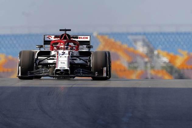 Tempo do piloto foi 3s6 mais lento que o líder Verstappen.