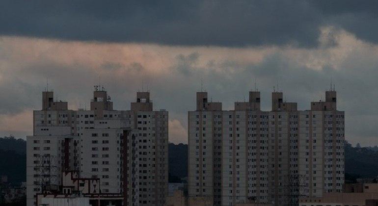 Próximos dias seguem com sol entre nuvens e condições para pancadas de chuva