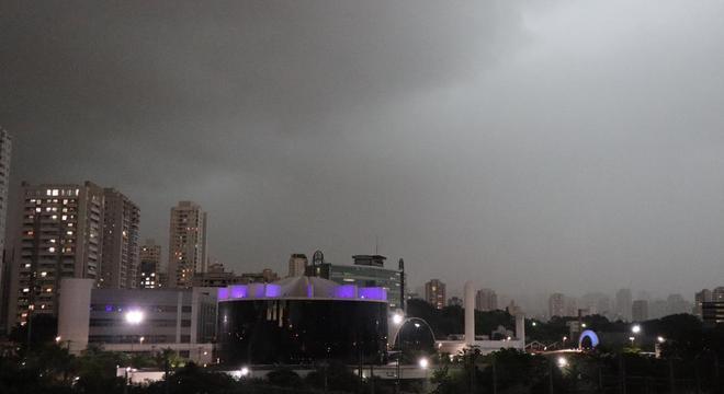 Quarta-feira já terá clima instável, que continua no  resto do dia