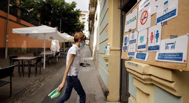 Autoridades regionais espanholas impuseram medidas para festas de fim de ano