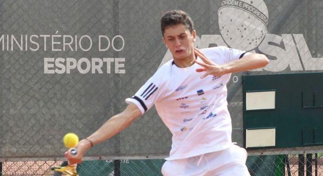 Instituto Tênis ajuda na formação de novos atletas