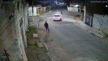 Motorista atropela suspeito de assalto na zona leste; veja vídeo