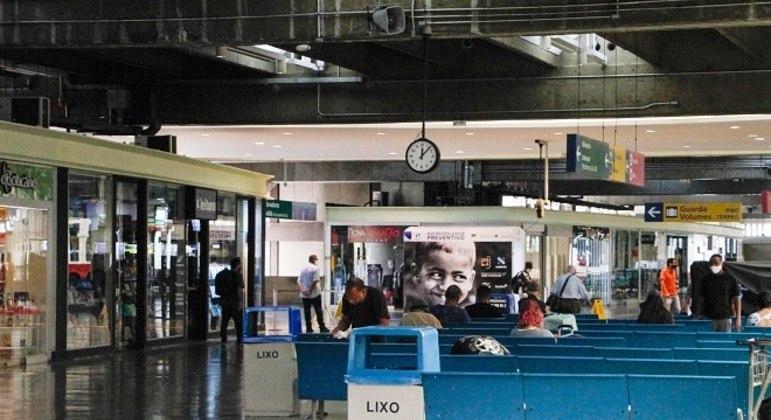 Após apreensão, ônibus foram levados ao terminal Tietê