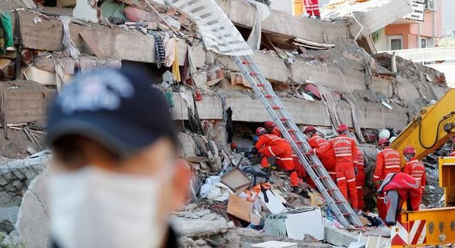 Terremoto abalou vários prédios em bairro que não estava preparado