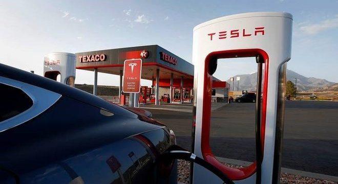Ponto de recarga da Tesla: Model 3 é o elétrico mais vendido na Europa (e também nos EUA)