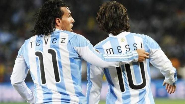Tevez atuou em sua primeira Copa do Mundo, em 2006, como jogador do Corinthians - Messi também estreou naquele Mundial