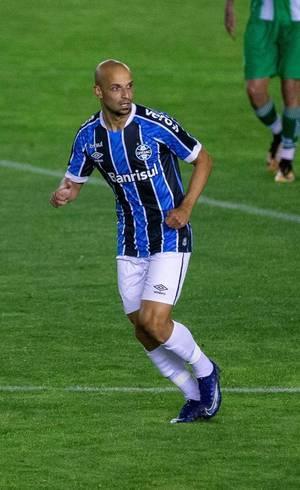 Thaciano comemora gol do Grêmio